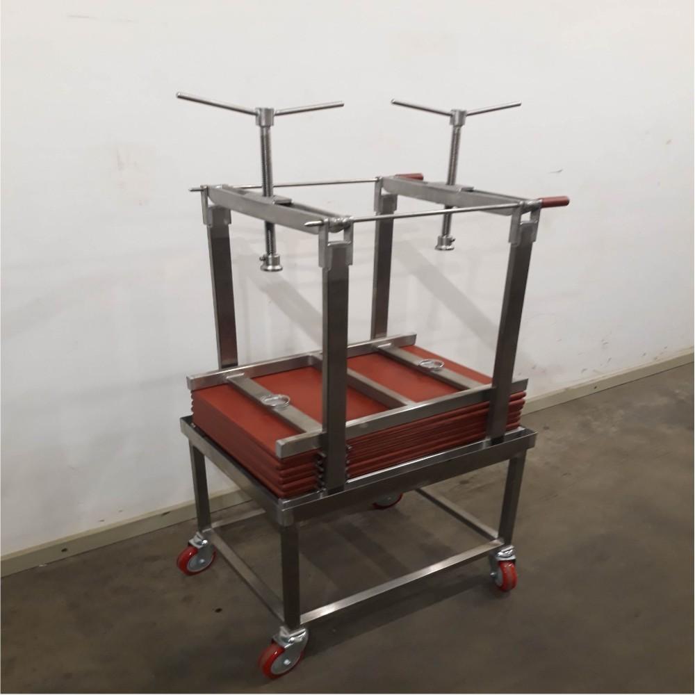 Rankinis slėgtuvas su vežimėliu ir 2 sraigtais 420x660x20mm
